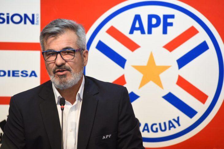 Horacio Elizondo durante una conferencia de prensa.