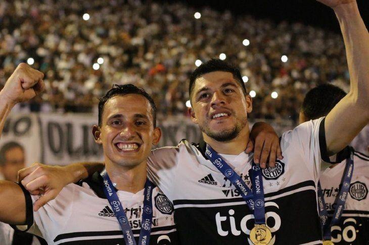 NUEVAMENTE CAMPEONES. Willian Candia y Rodrigo Rojas vuelvan a consagrarse en el fútbol paraguayo