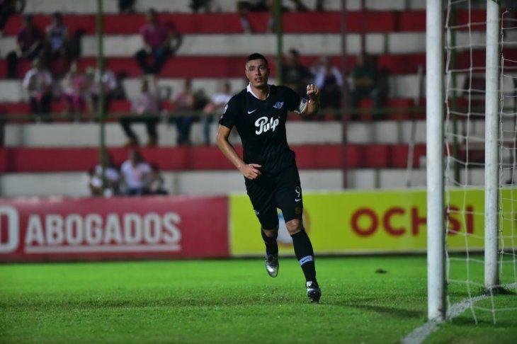 Óscar Cardozo celebra el gol marcado ante San Lorenzo.