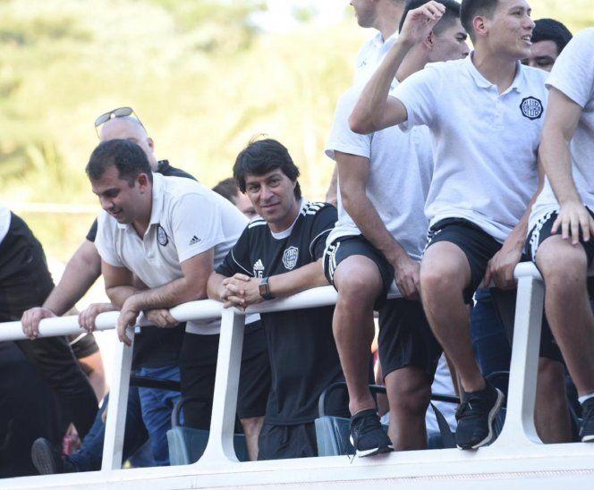 Daniel Garnero durante los festejos del Olimpia.