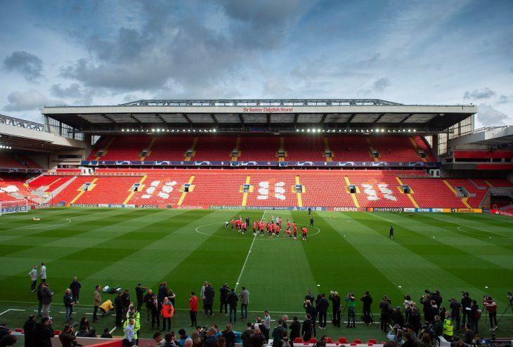 Anfield espera por el gran partido.