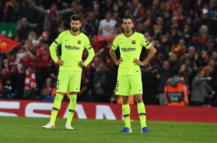 DECEPCIONADOS.Los rostros de Gerard Piqué y Sergio Busquets lo dicen todo.