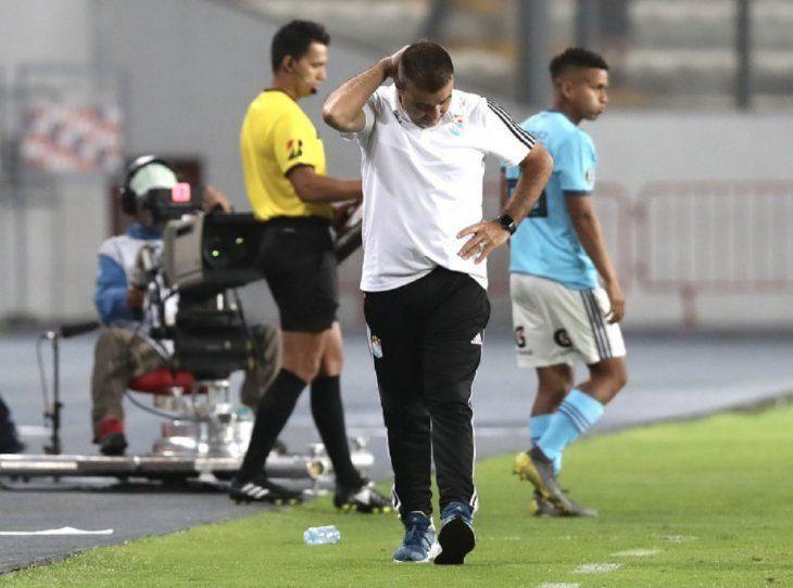 Vivas había tratado de payaso al futbolista franjeado.