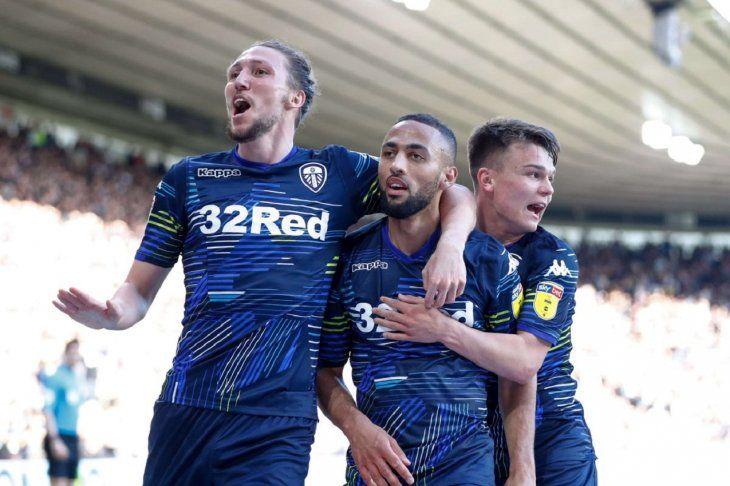 El Leeds de Marcelo Bielsa pone un pie en la final por el ascenso
