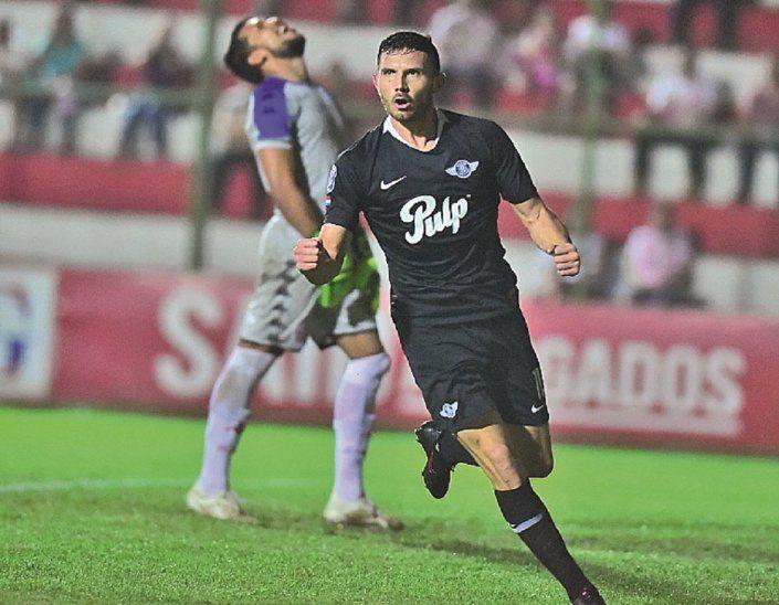 Contundente. Adrián Martínez es referente en el Guma.