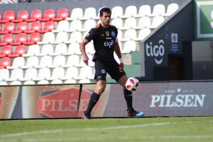 QUEDA FUERA. Roque Santa Cruz será intervenidoquirúrgicamenteen los próximos días y quedó desafectado de la Selección Paraguaya.
