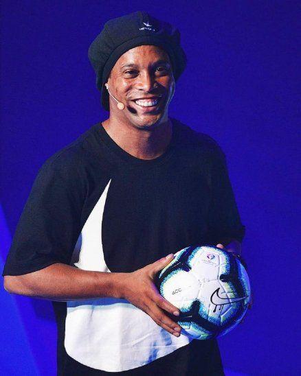 Ronaldinho estará por Paraguay en julio.