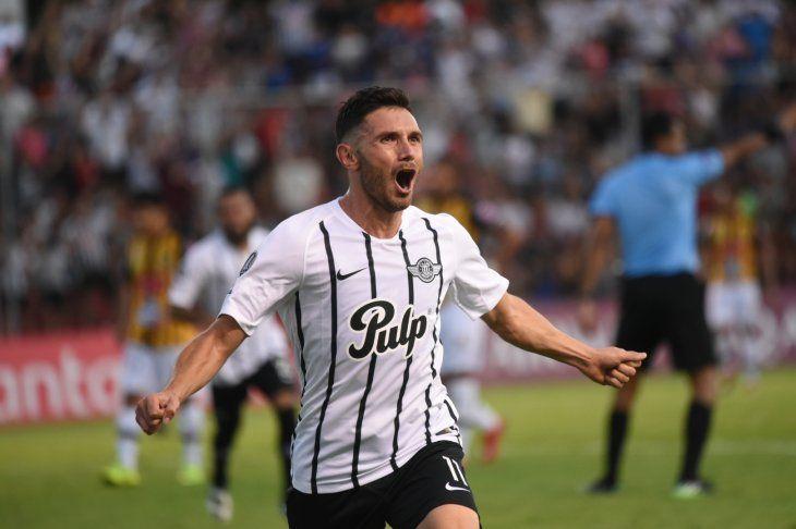 Adrián Martínez rindió alto en el Gumarelo.