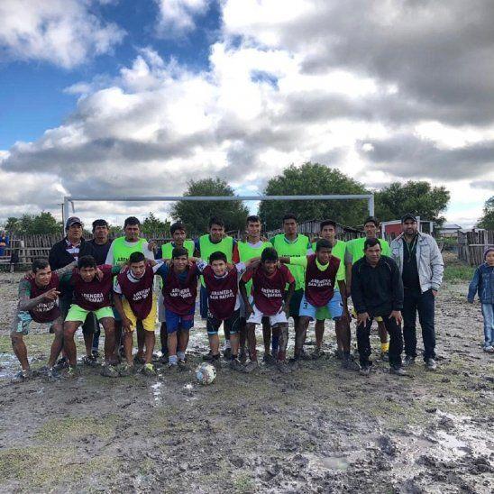 SOBRAN GANAS. Los jugadores de Puerto Diana están listos para el debut en la Copa Paraguay.