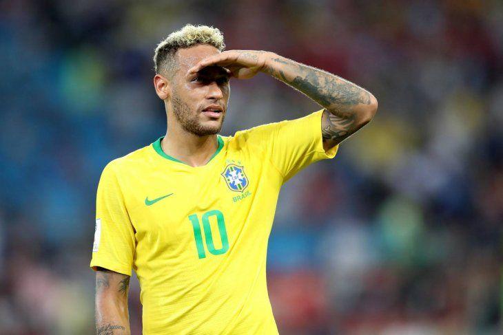 Neymar se presentará en Brasil el sábado.