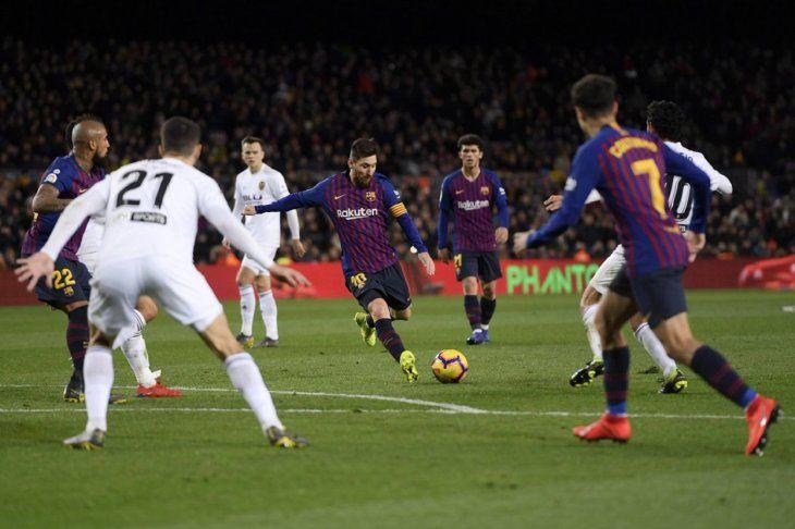 El Barcelona de Messi mide al Valencia.