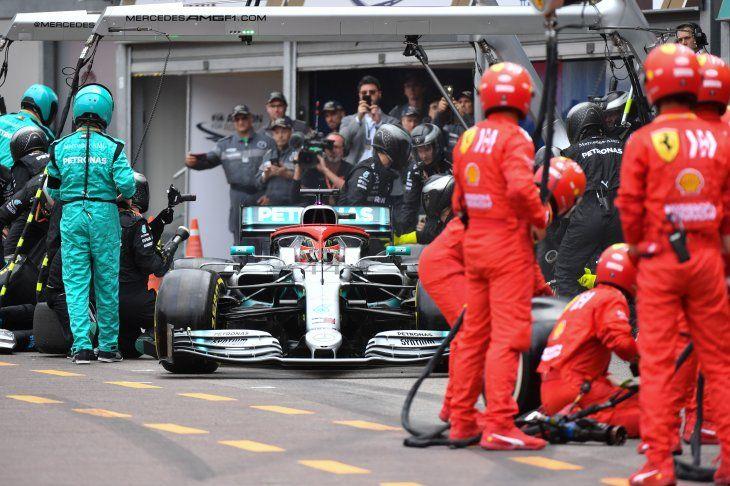 Hamilton gana el Gran Premio de Mónaco desde la pole