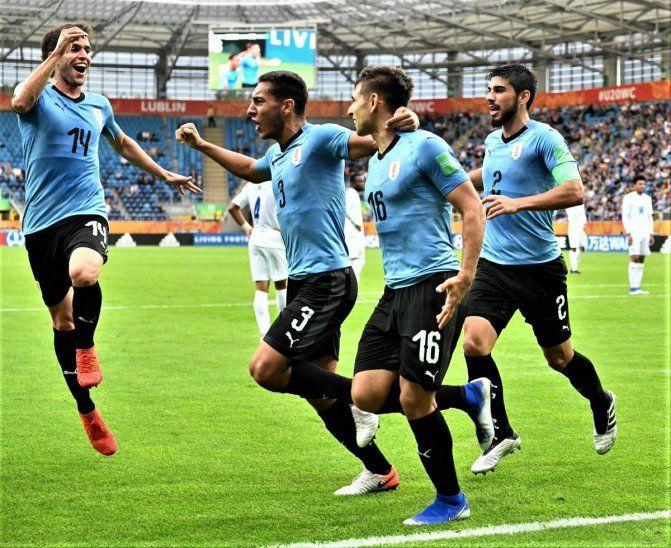 Uruguay selló su pase a los octavos de final.