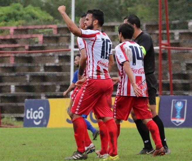 ADENTRO. Ovetense avanzó de ronda en la Copa Paraguay.