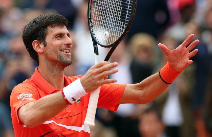 Djokovic no falló y avanzó de ronda en Roland Garros.