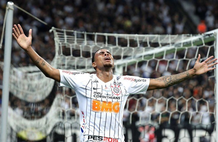 Corinthians cumple el pronóstico y avanza a octavos de final