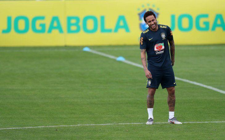 Neymar fue salpicado por una denuncia de violación.