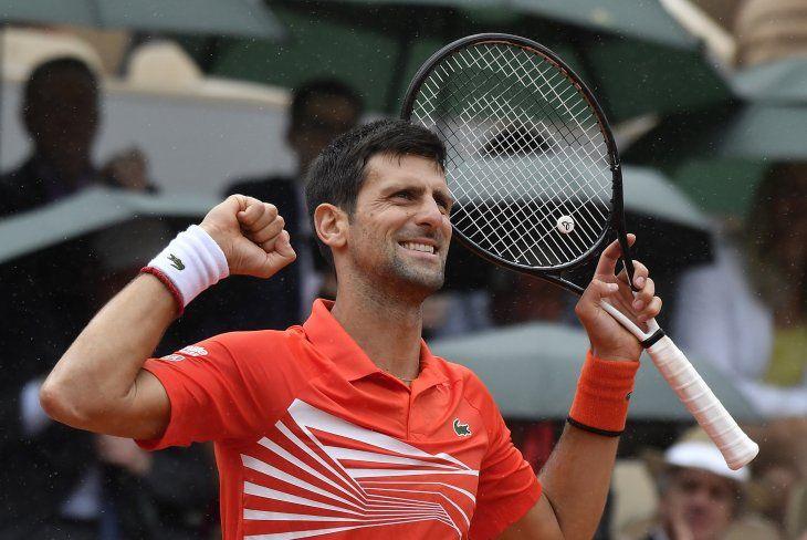 Djokovic ganó y avanzó a los cuartos de final.