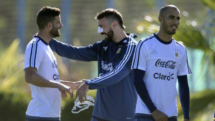 Guido Pizarro (derecha) fue convocado a Argentina.