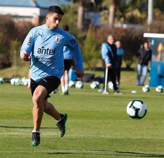 Luis Suárez entrenó este martes con la selección de Uruguay.