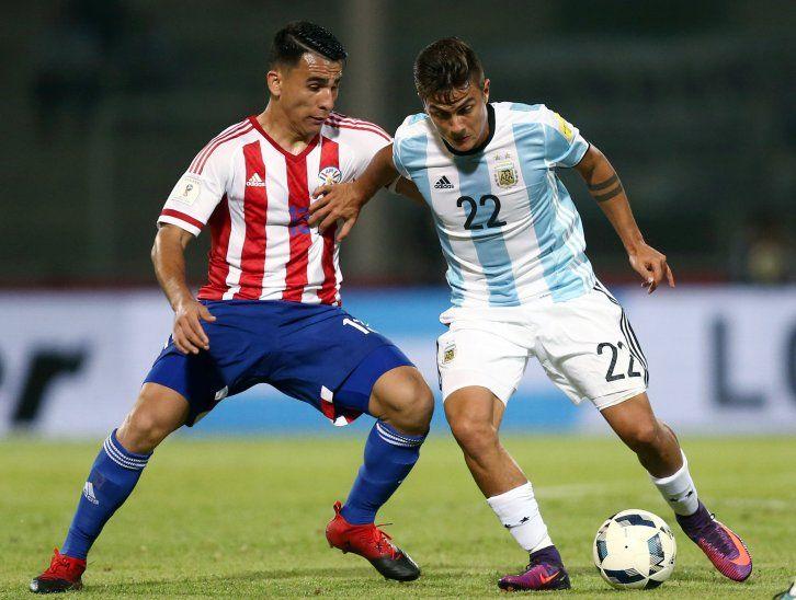 Junior Alonso en un partido ante Argentina.