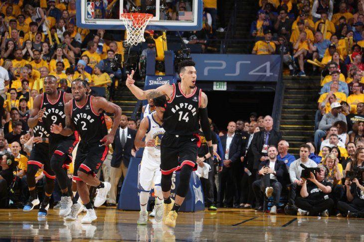 Gran victoria de los Raptors sobre los Warriors.