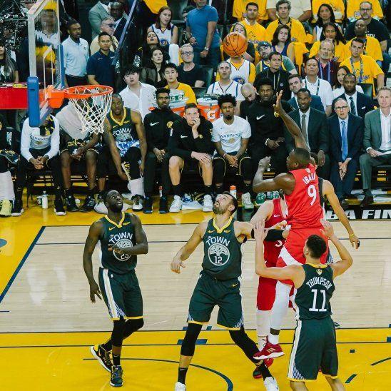 Los Raptors ganaron y quedaron cerca del título en la NBA.