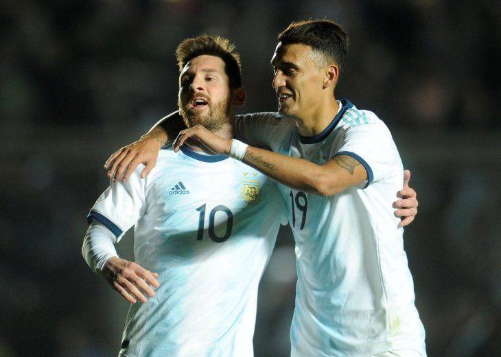 Argentina goleó con dos goles de Messi.