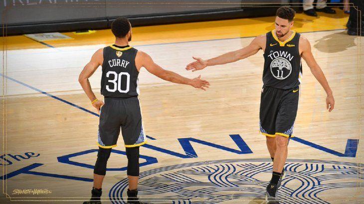 Stephen Curry confía en remontar la serie.