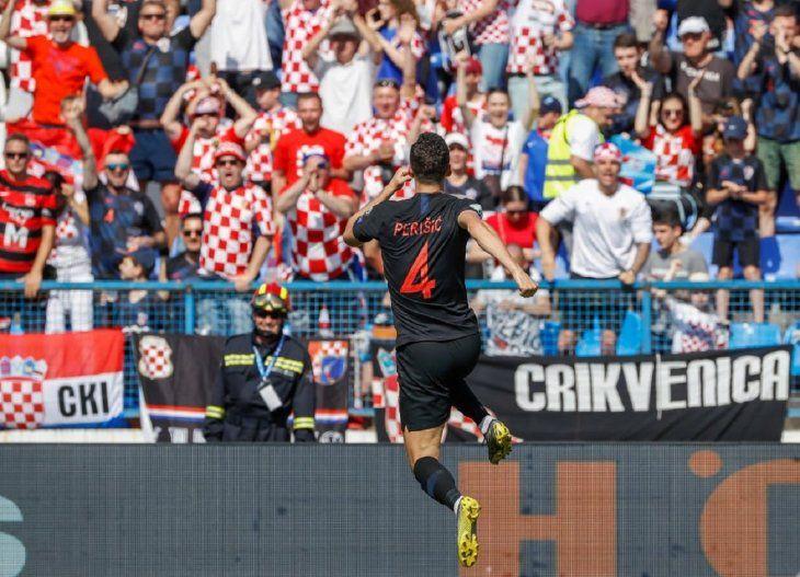 Croacia lidera el Grupo E tras una sufrida victoria ante Gales.