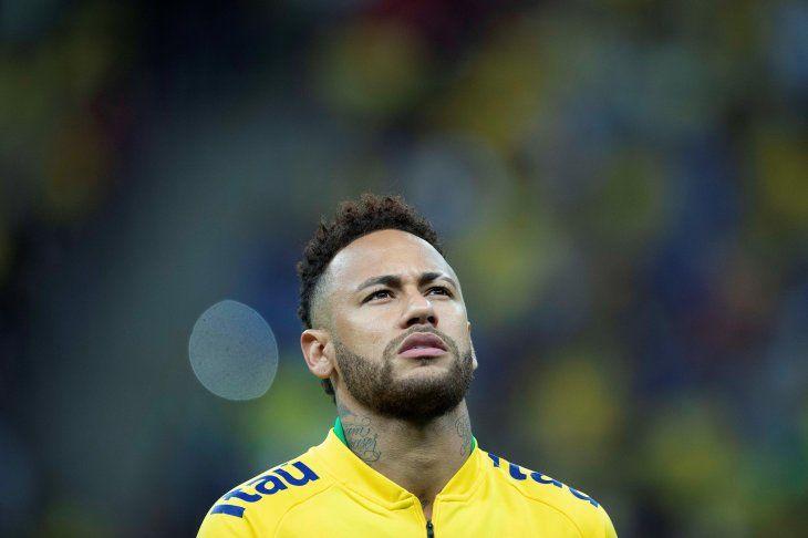 Neymar estará cuatro semanas de baja