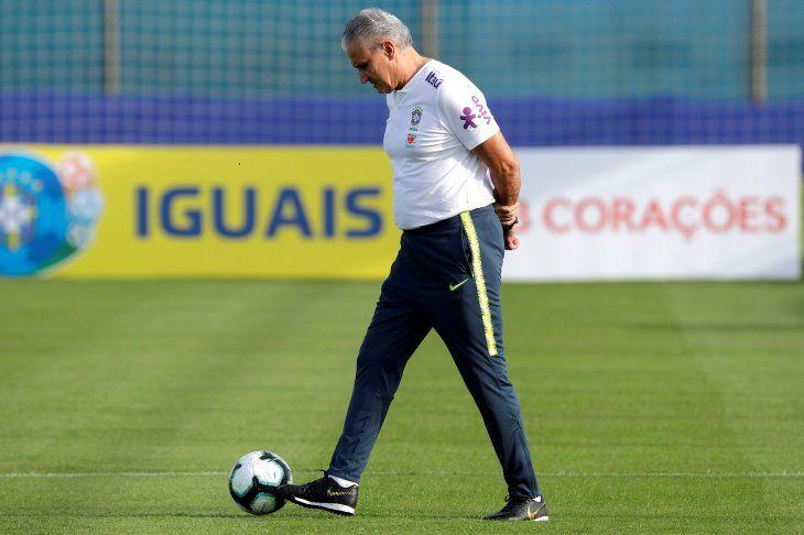 Tite siente frustración por no tener a Neymar en la Copa América