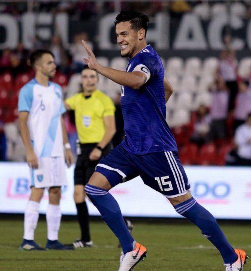 Gustavo Gómez celebra la anotación de un gol.