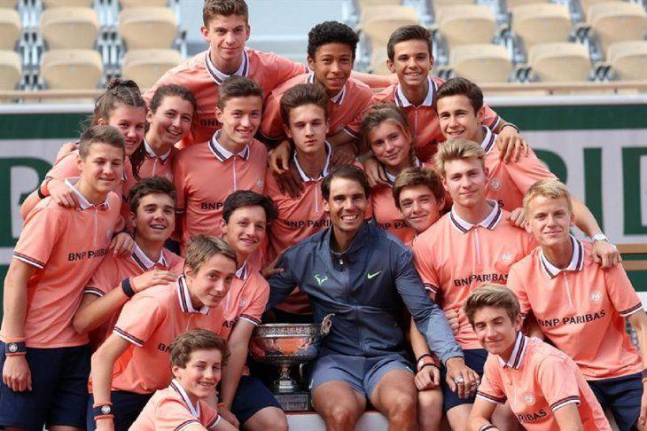 Rafael Nadal posa tras ganar una vez más en Roland Garros.