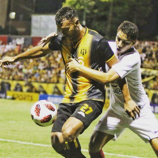 Ramón Martínez tiene las horas contadas en el fútbol paraguayo.