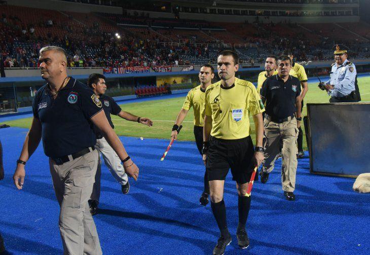 El Tribunal dio a conocer la sanción a los árbitros por el gol fantasma en Cerro-San Lorenzo.