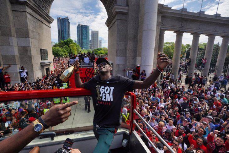 Los Raptors de Canadá celebraron el título logrado en la NBA.