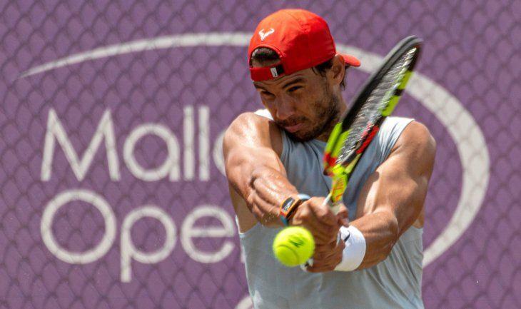Nadal completa el último entrenamiento de la semana con vistas a Wimbledon.