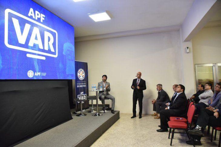 El VAR se utilizará en el fútbol paraguayo en el 2020.