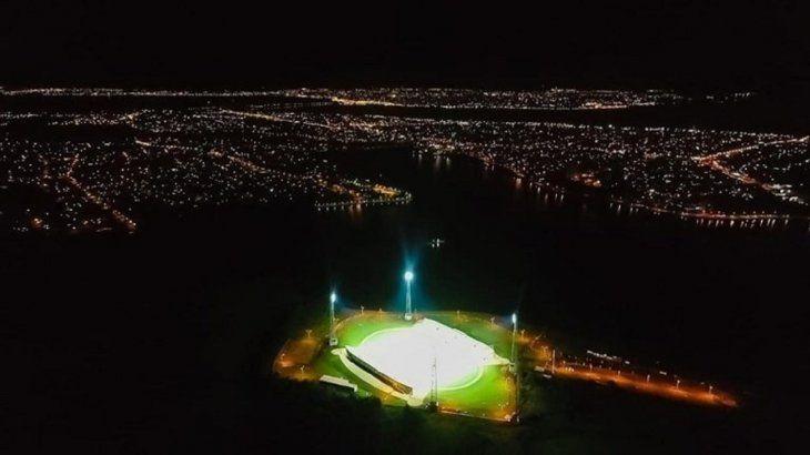La prueba de luces del estadio de la Liga Encarnacena.