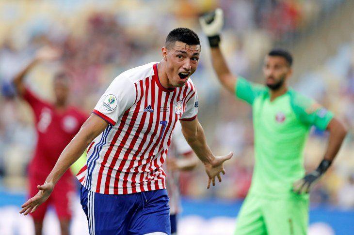 Tacuara Cardozo celebra un gol ante Qatar.