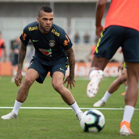 Brasil entrenó este martes en Porto Alegre.