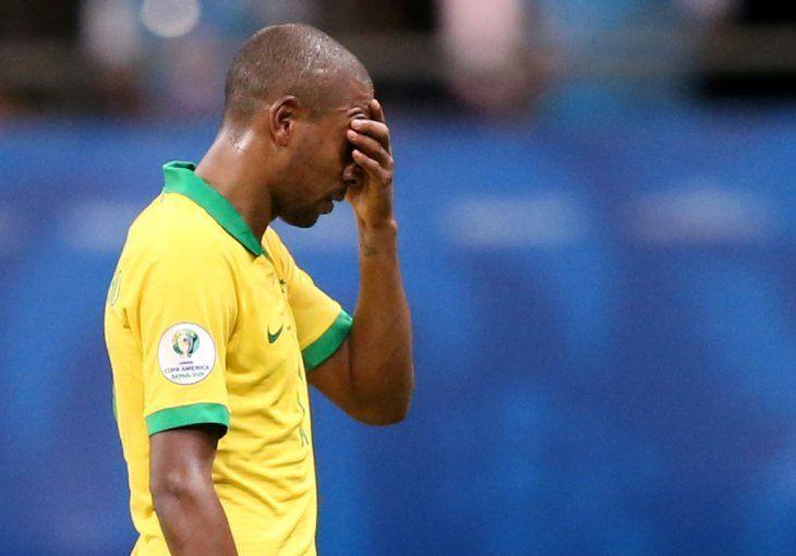 Fernandinho no estará ante Paraguay.