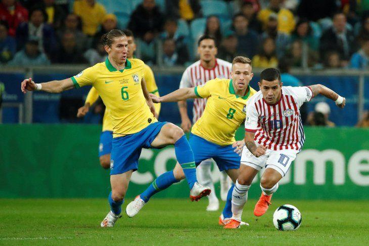 La Albirroja choca ante Brasil en Porto Alegre.