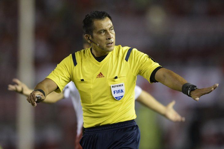 El ecuatoriano Roddy Zambrano dirigirá el Brasil - Argentina.