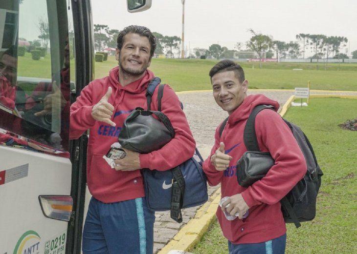 Nelson Haedo Valdez y Óscar Ruíz