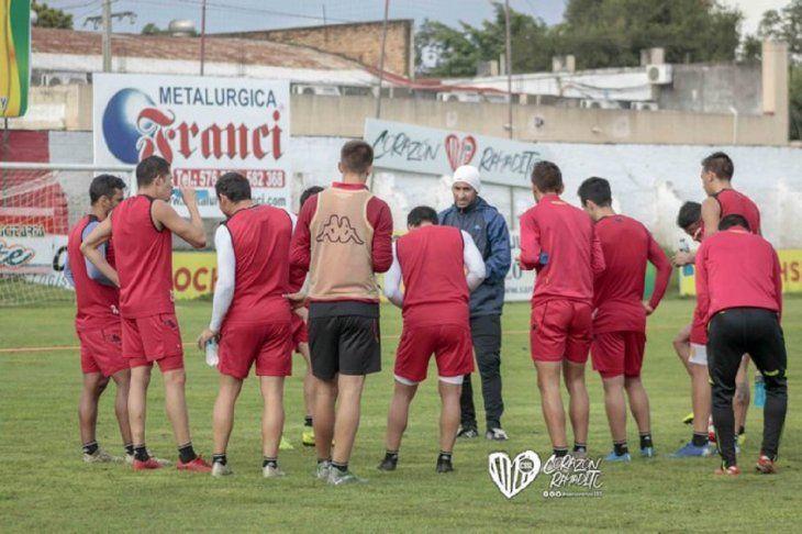 El Rayadito afina el equipo para el debut.