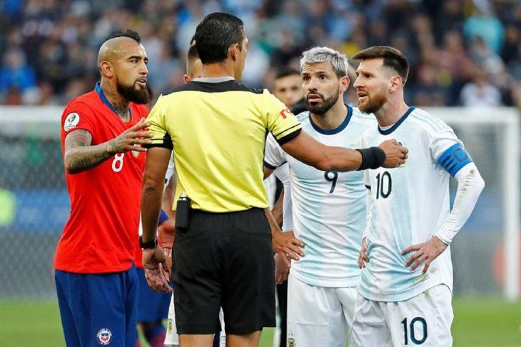 Argentina y Chile buscan el tercer puesto de la Copa América.
