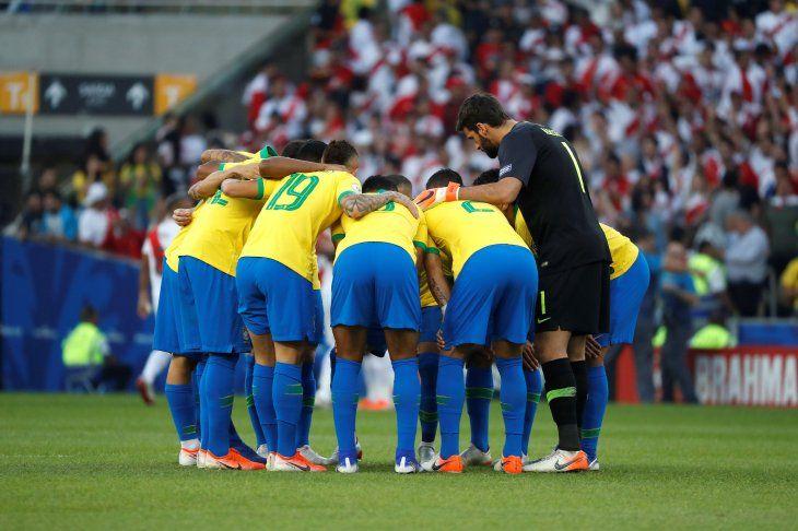 Brasil se coronó frente a Perú.