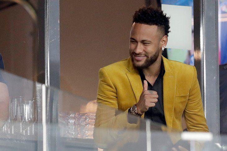 Neymar no se presenta en entrenamiento y PSG anuncia adoptará medidas.